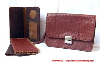 کیف پول چرمی ساخته شده از چرم شترمرغ